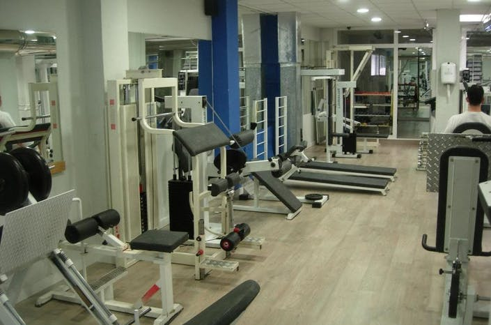 Oferta gimnasio works gym zaragoza gymforless for Gimnasio zaragoza
