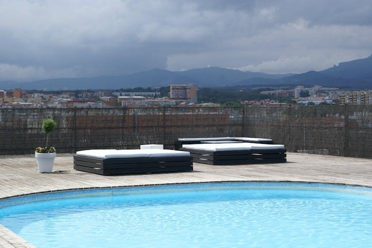 Los mejores gimnasios con piscina exterior en barcelona for Gimnasio con piscina fuenlabrada