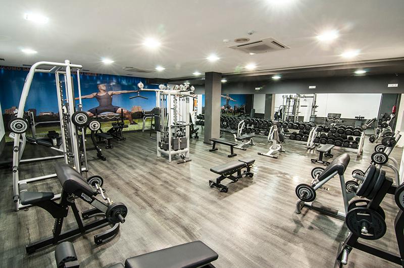 Oferta gimnasio century fitness sevilla gymforless for Gimnasio jaen