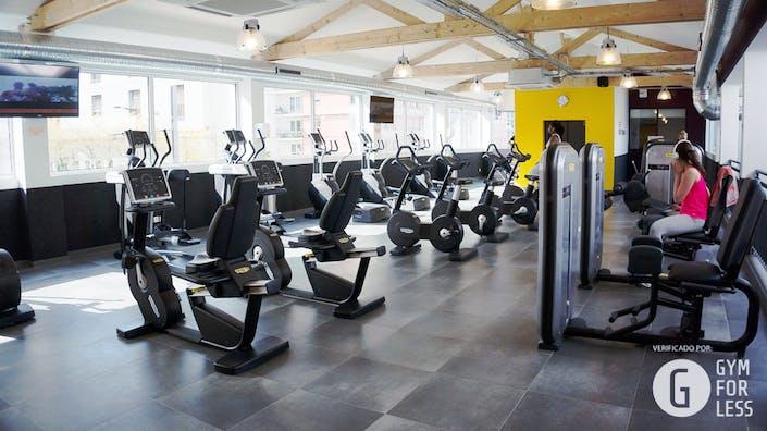 les meilleurs tarifs et activit s pour le centre fitness park courbevoie courbevoie. Black Bedroom Furniture Sets. Home Design Ideas