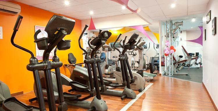 salle de sport coignieres cheap le club de musculation de villepreux prsid par fabrice faucheux. Black Bedroom Furniture Sets. Home Design Ideas