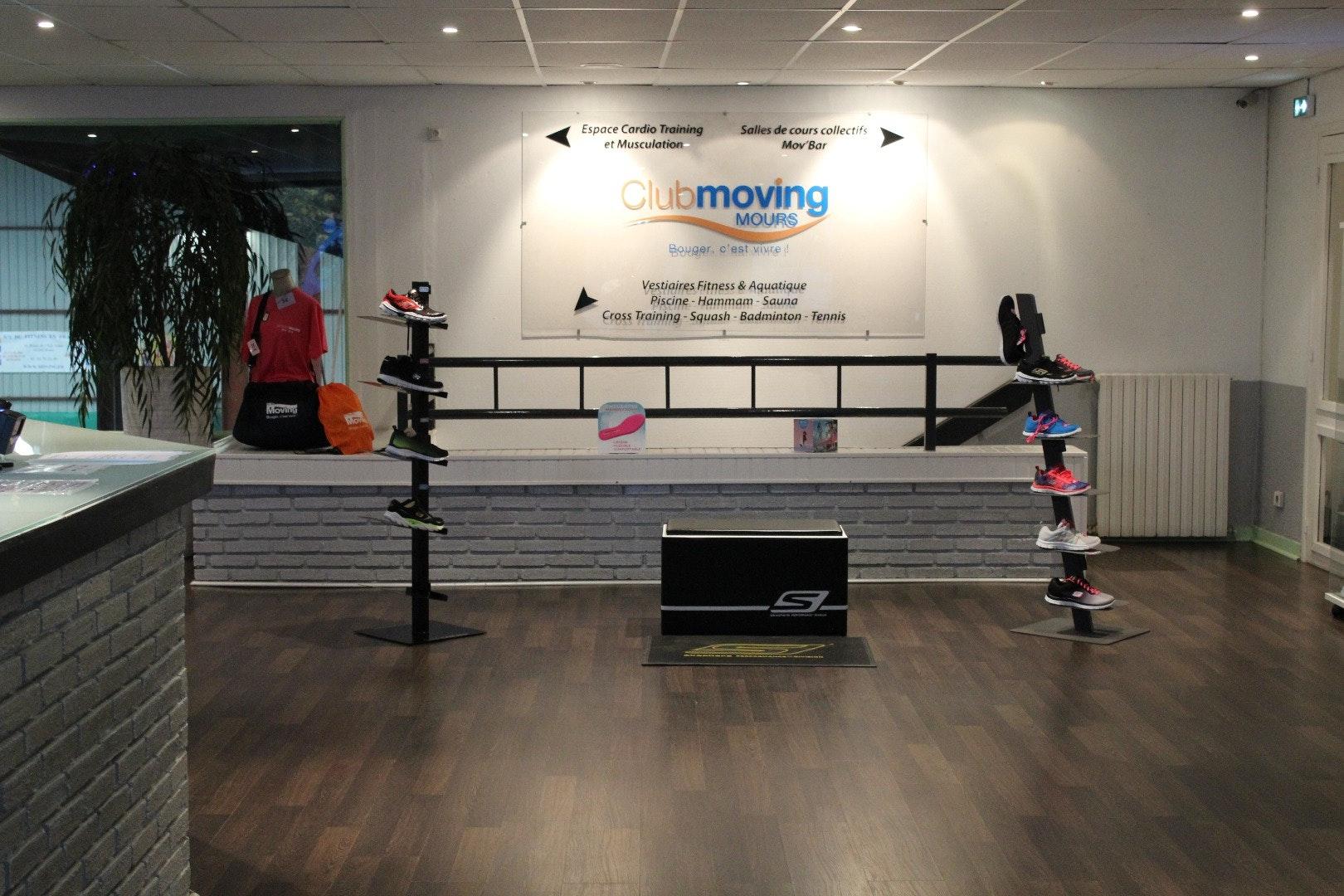 Photo 1 Les meilleurs tarifs  et activités pour le centre Moving Mours Mours