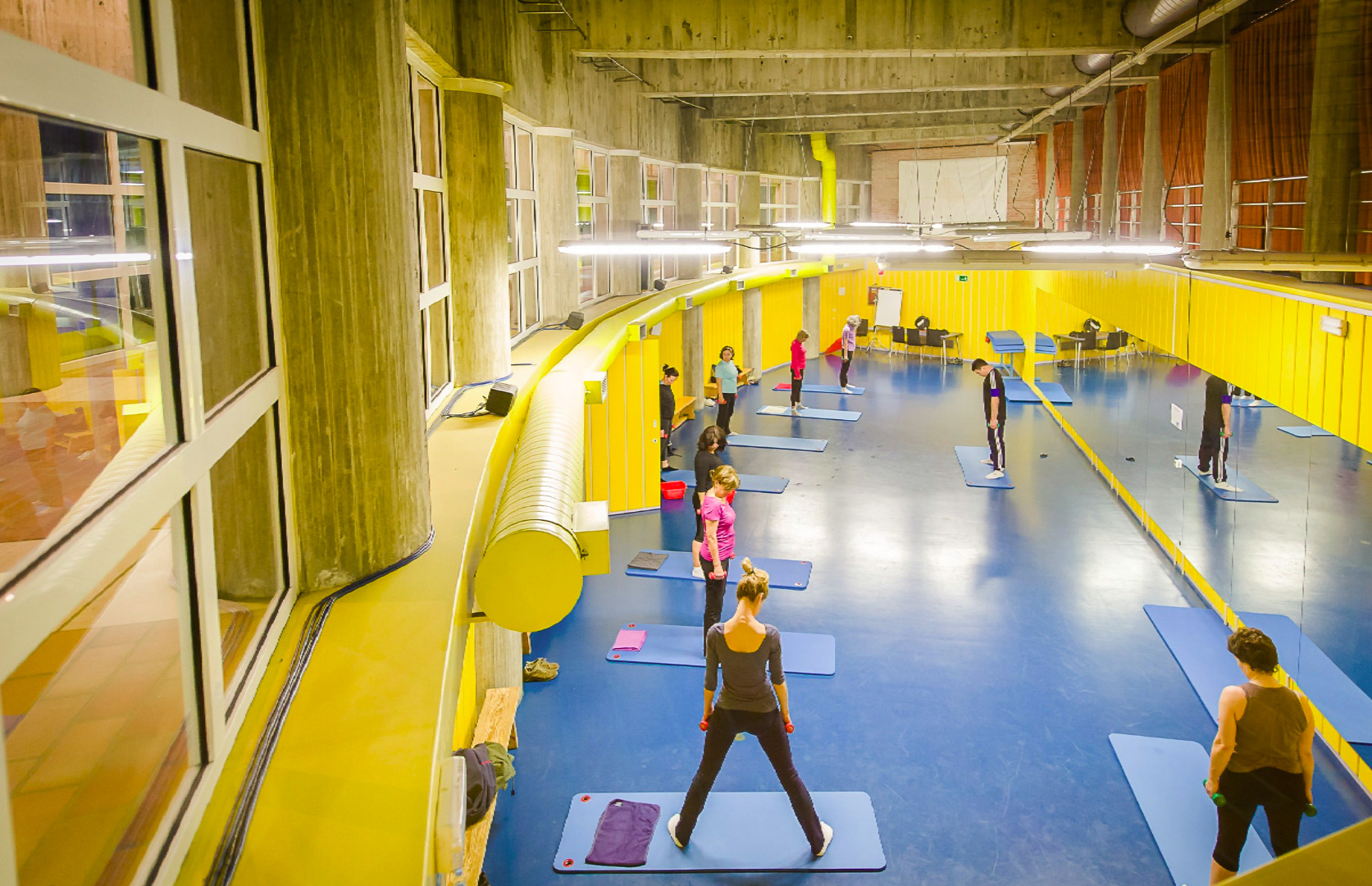 Oferta gimnasio centro deportivo m86 madrid gymforless for Gimnasio piscina madrid