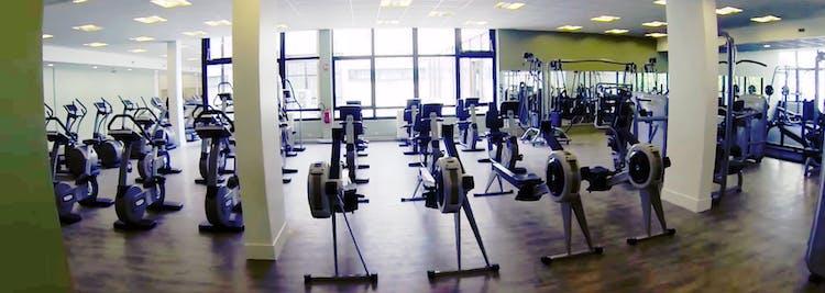 salles de sport aux meilleurs prix avec tapis de course paris gymforless. Black Bedroom Furniture Sets. Home Design Ideas