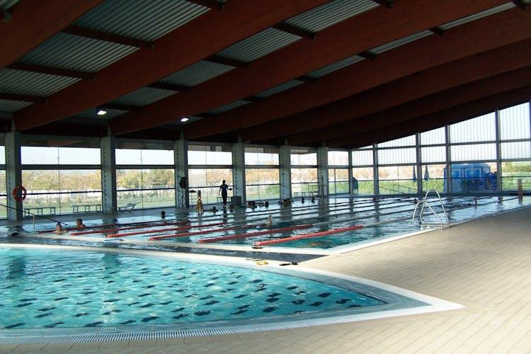 Los mejores gimnasios con nataci n en l 39 hospitalet de for Piscina castelldefels
