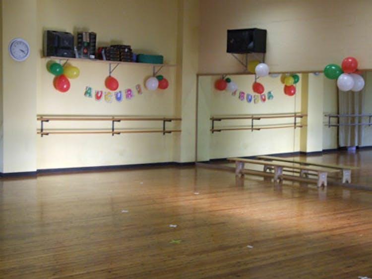 Mirtillo Club Dance & Swim