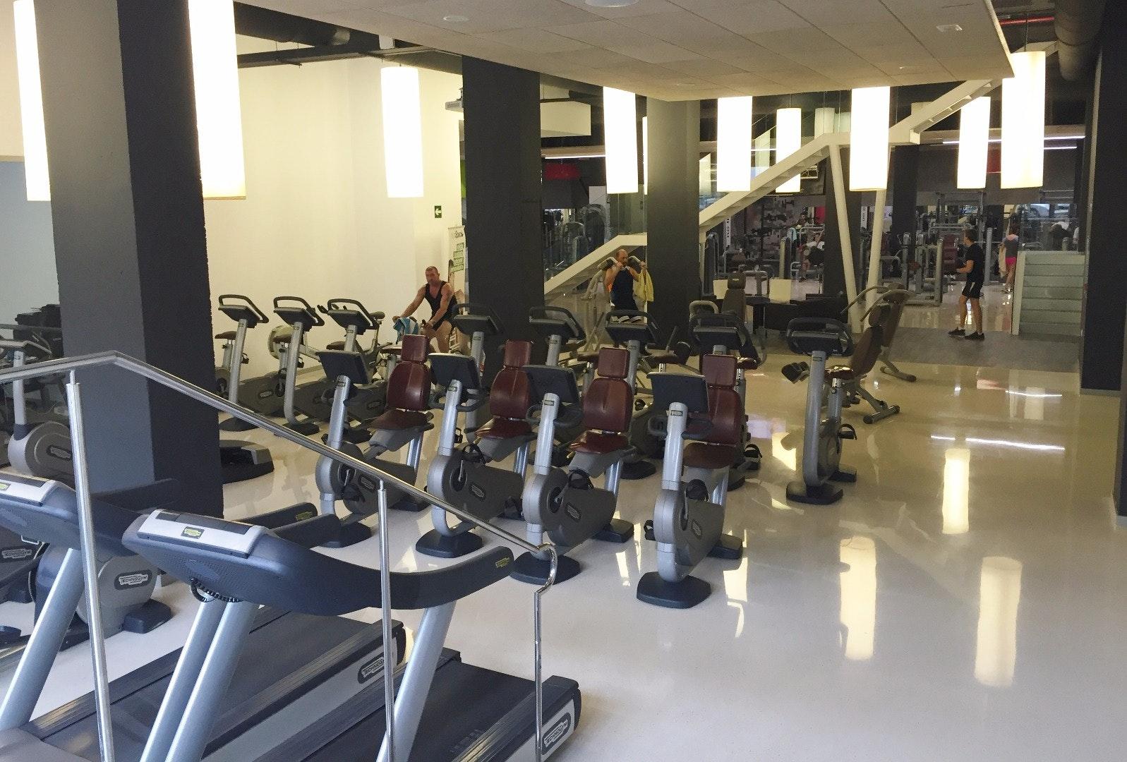Foto 2 Oferta I-Fitness+ Benidorm Benidorm {2} - GymForLess