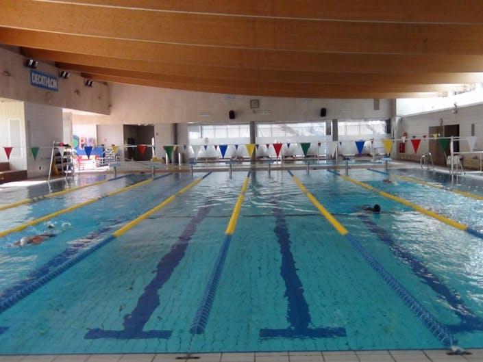 Deals for gym piscina municipal la corxera sant feliu de for Piscina municipal castellon
