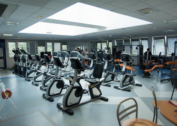 salles de sport avec salle de musculation paris liste des salles de sport salle de. Black Bedroom Furniture Sets. Home Design Ideas