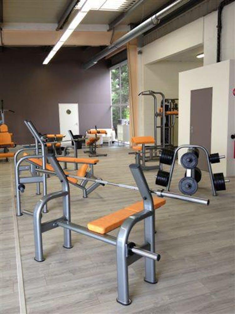 salles de sport aux meilleurs prix avec aerobic mantes la ville gymforless. Black Bedroom Furniture Sets. Home Design Ideas
