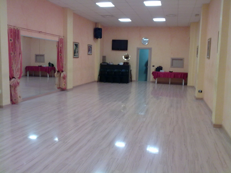 Foto 1 Offerta SHOW DANCE CLUB Milano {2}