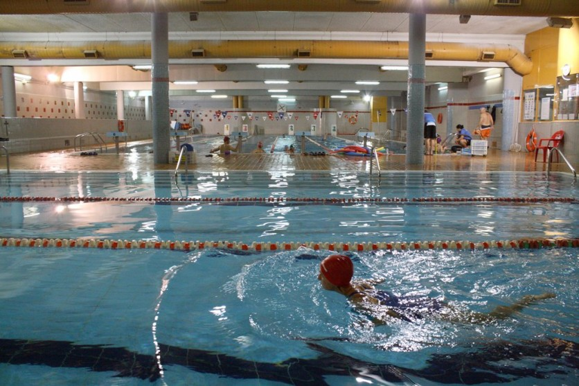 Oferta gimnasio serviocio centro deportivo campolongo for Gimnasio con piscina granada