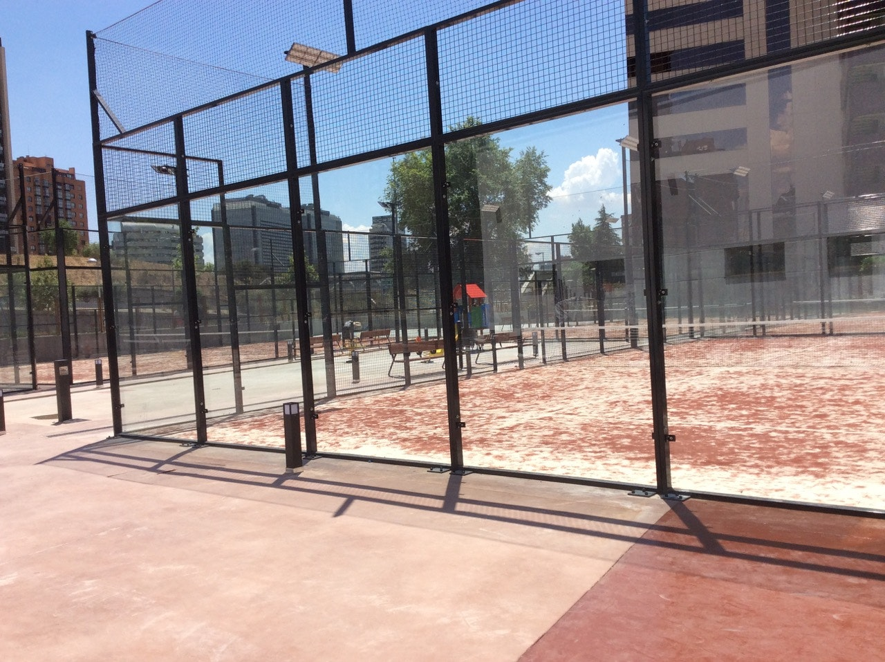 Foto 0 Oferta Gimnasio School Padel Center Madrid - GymForLess