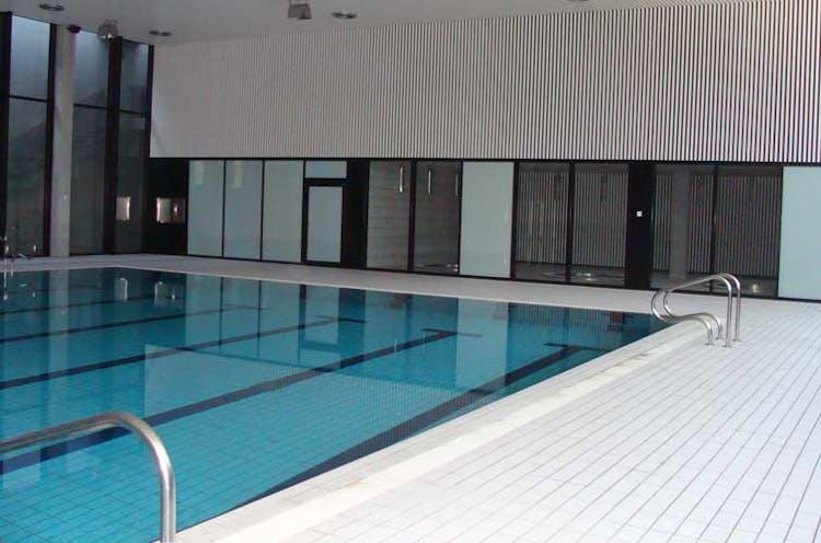 Gimnasios en madrid con ofertas y los mejores precios for Gimnasios madrid con piscina