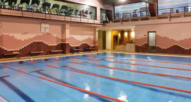 Oferta gimnasio esportiu rocafort barcelona gymforless for Gimnasio con piscina granada