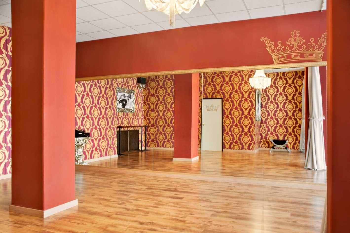 Foto 1 Oferta Portalo´s Escuela de baile y pilates Madrid {2} - GymForLess