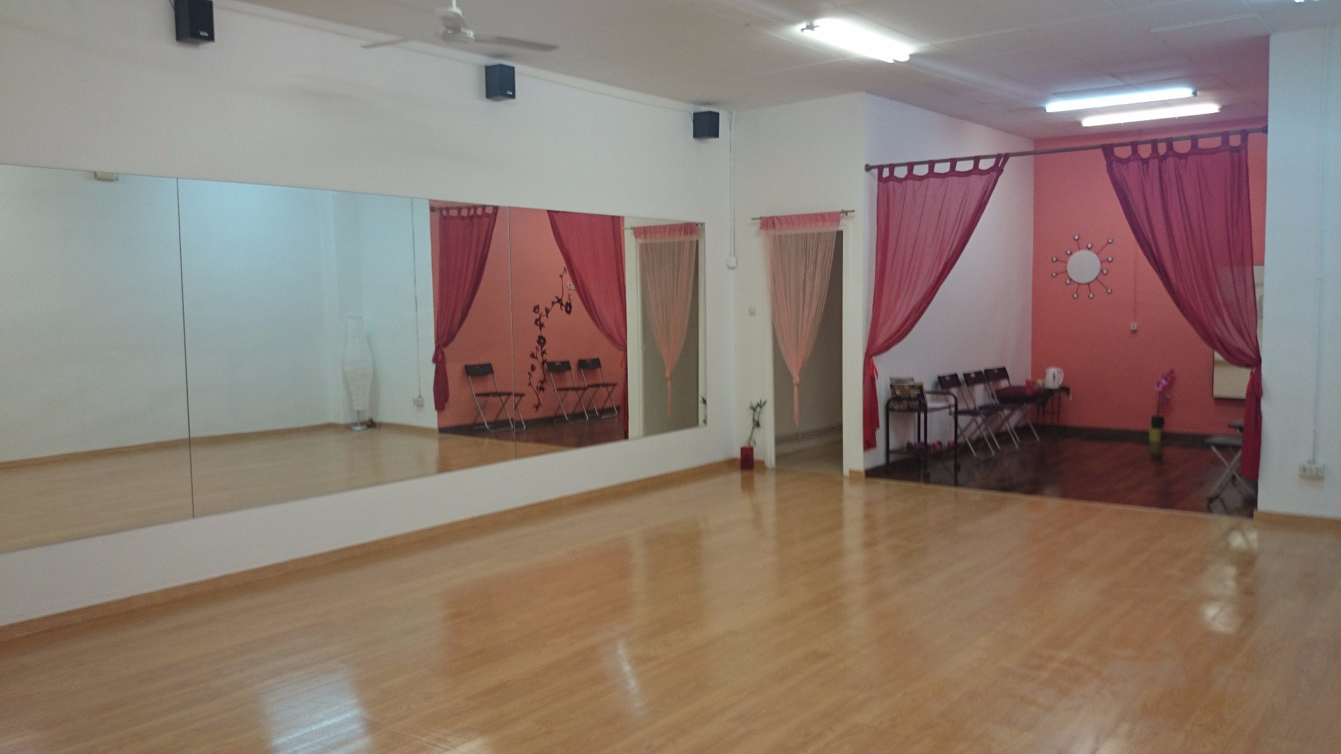 Picture 1 Deals for Gym Danzarabic Barcelona