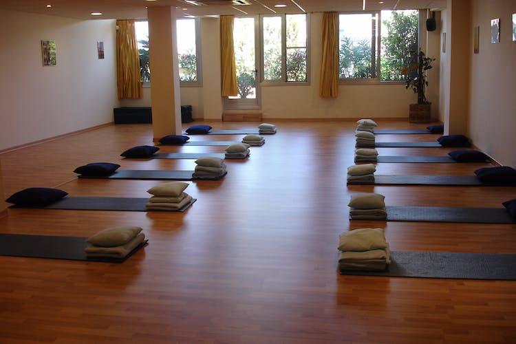 Asociación Española de Yoga en la vida cotidiana - Clases Online