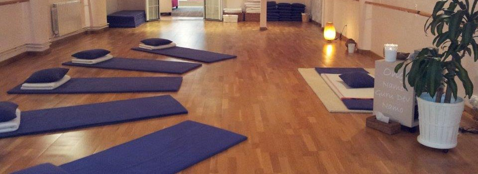 Picture 1 Deals for Gym Happy Yoga Laforja Barcelona
