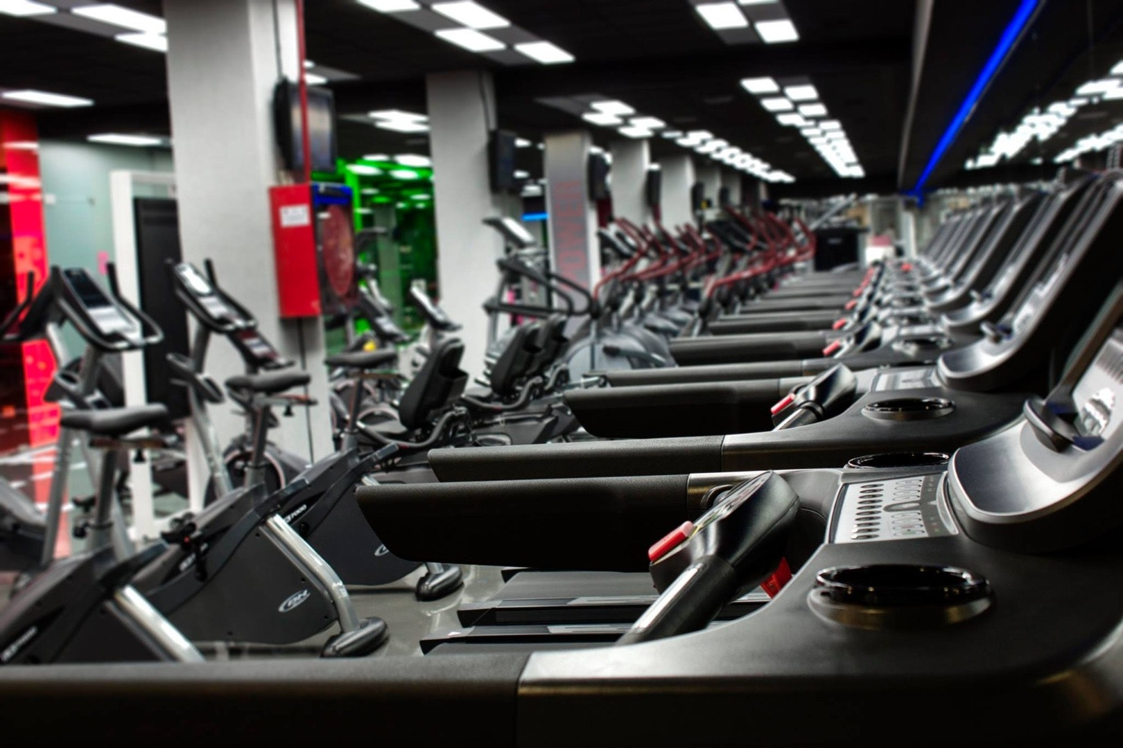 Foto 0 Oferta Hi Fitness Río Madrid {2} - GymForLess
