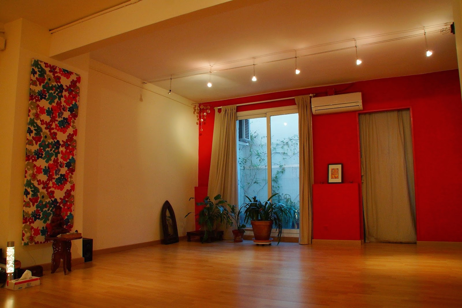 Picture 1 Deals for Adhara Yoga Barcelona {2}