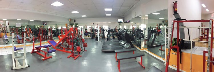 Best gyms with cardio in centro sol 2 gymforless for Gimnasio hortaleza fitness
