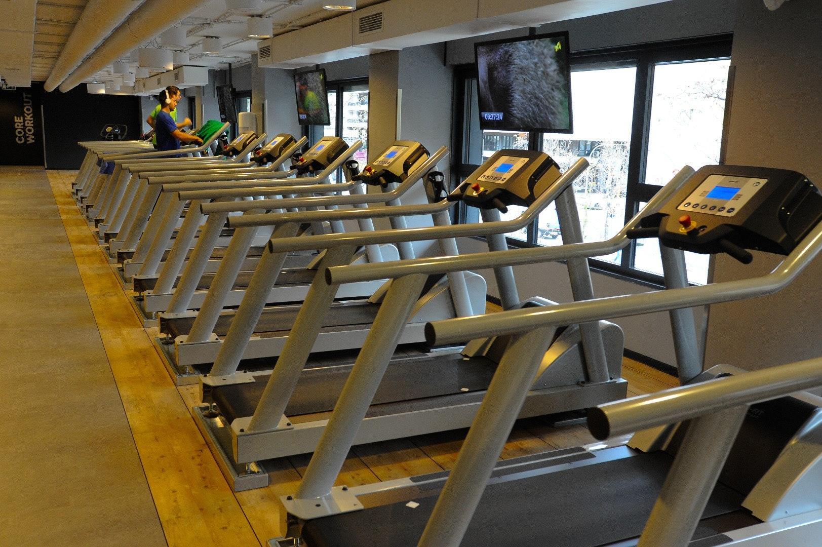 Foto 2 Oferta McFIT Murcia - C.C. Zig Zag Murcia {2} - GymForLess