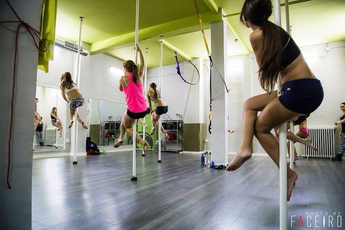 Foto 3 Oferta Madrid Pole Dance Studio Madrid  2  - GymForLess 9ec43bea22b