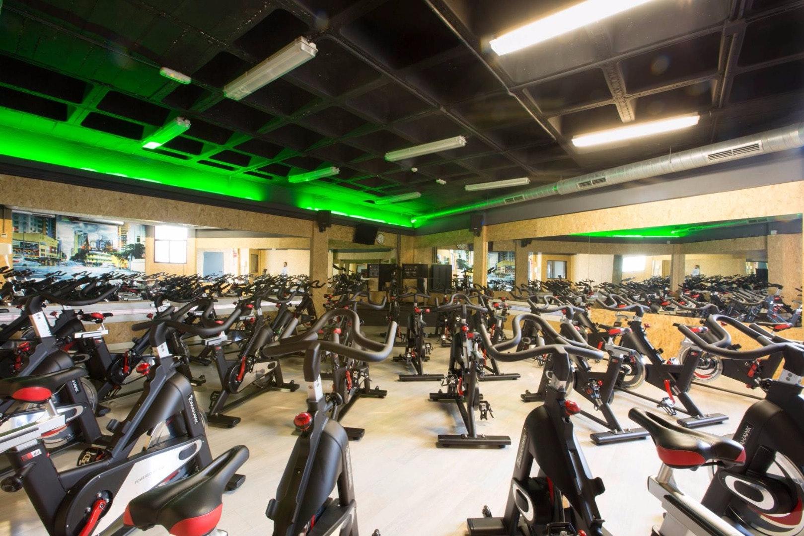 Foto 1 Oferta Gimnasio Urban Fitness Ezequiel Solana Madrid - GymForLess
