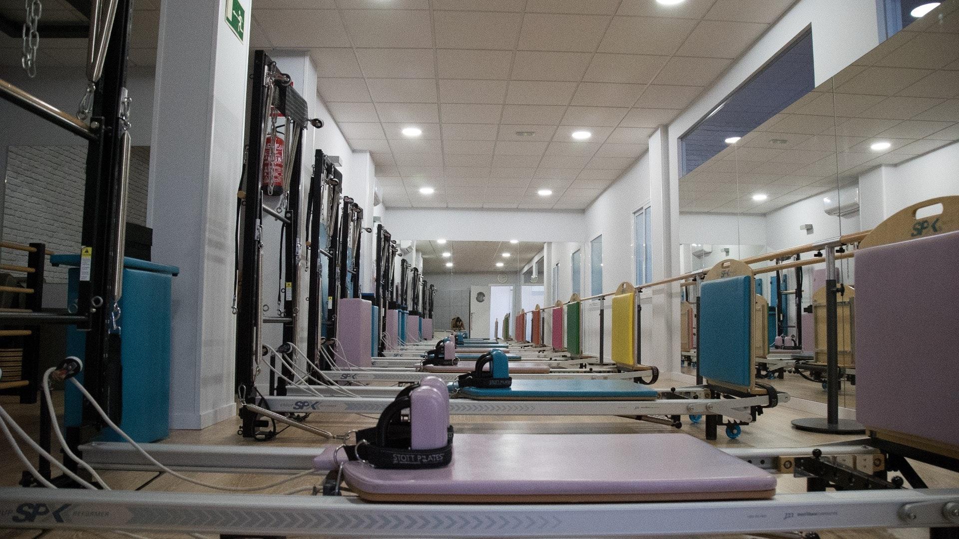 Foto 2 Oferta Gimnasio Akro Center Pilates Máquina Toledo - GymForLess