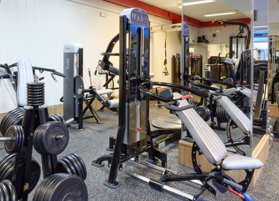 Oferta gimnasio opera gym madrid gymforless for Gimnasio zamora