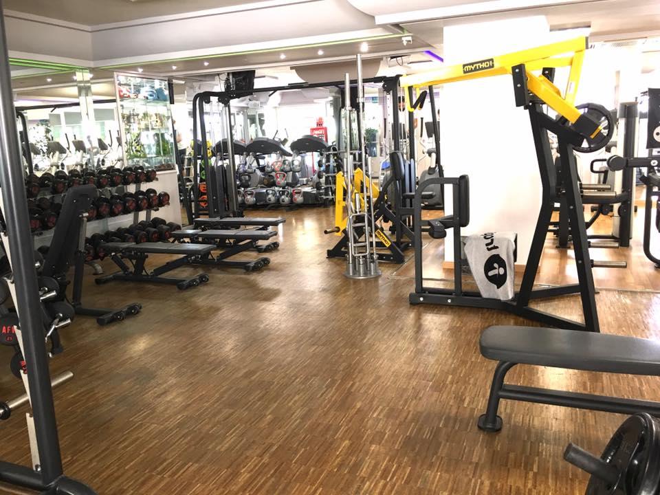 Oferta gimnasio gimnasio tropical motril gymforless for Gimnasio jaen
