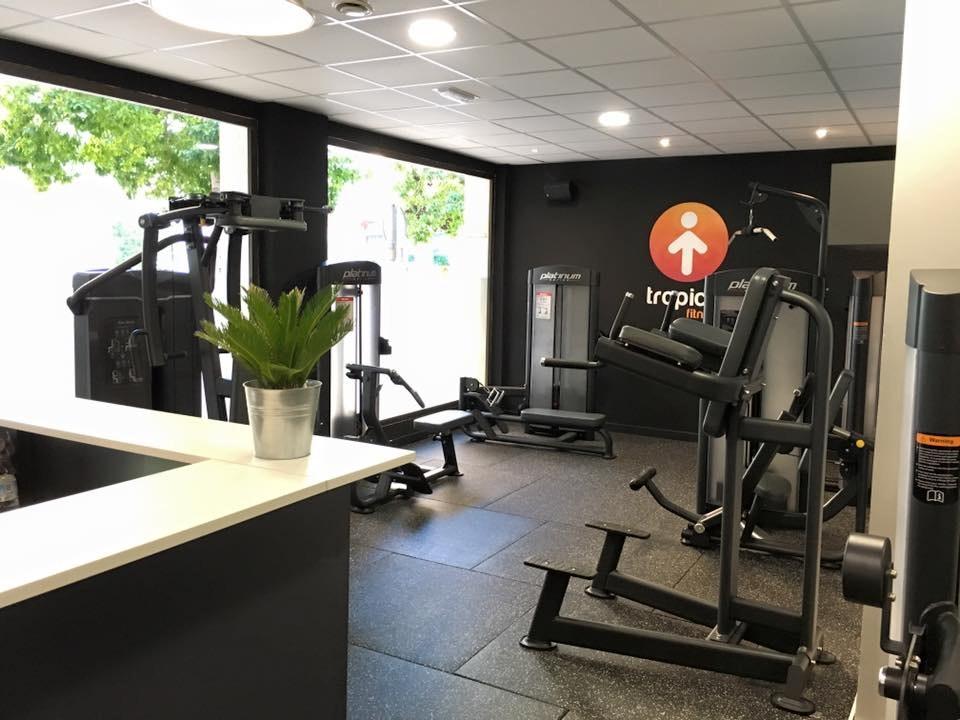Foto 3 Oferta Tropical Fitness Nerja {2} - GymForLess