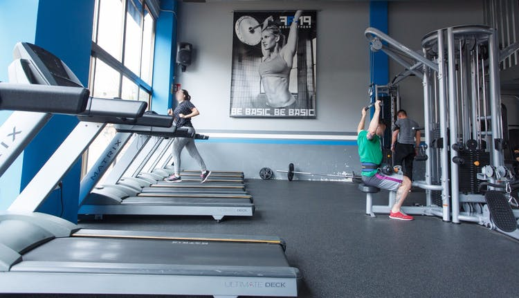 Best gyms with lockers in puente de vallecas 2 gymforless for Gimnasio hortaleza fitness