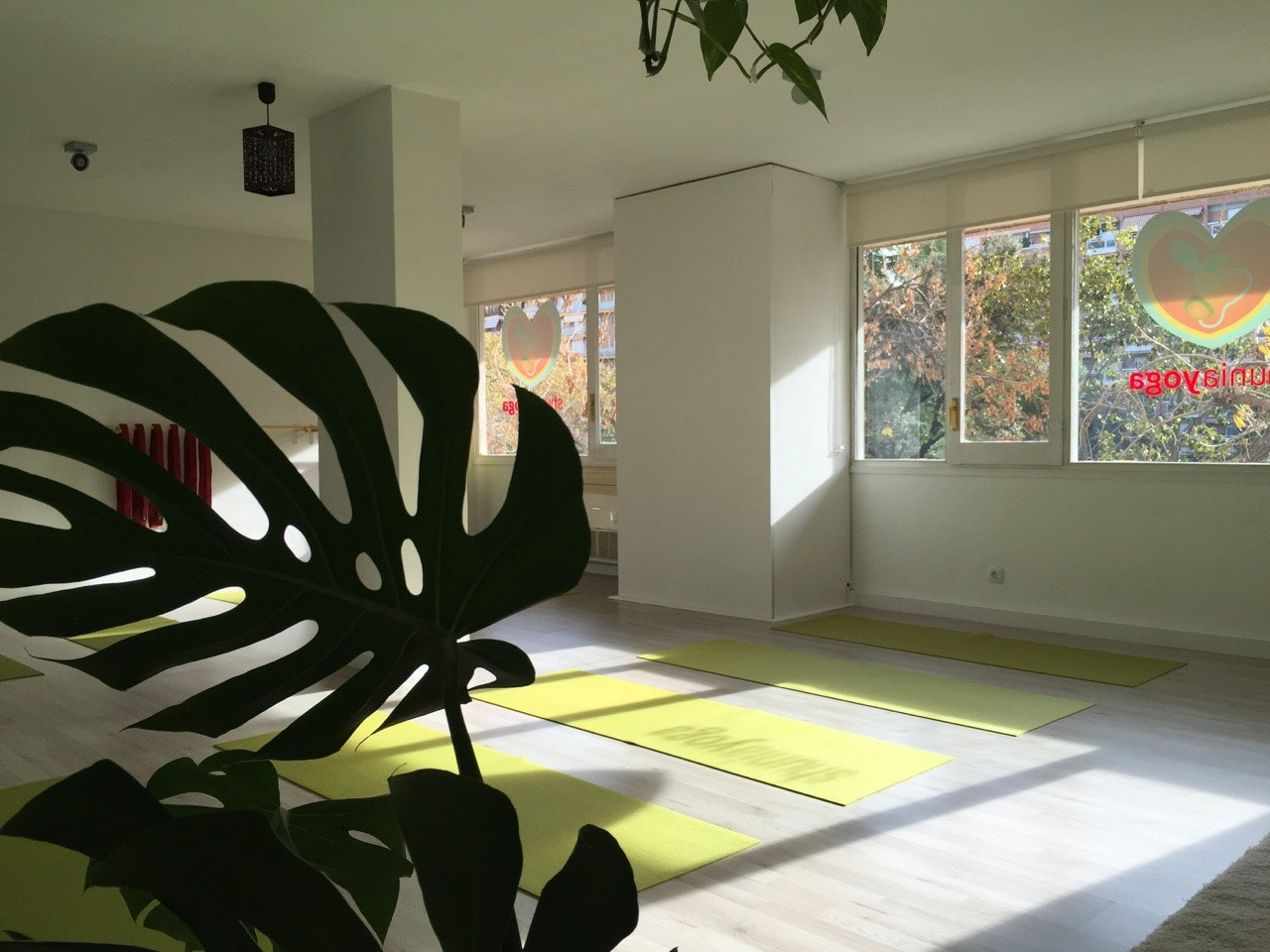 Picture 0 Deals for Gym Shunia Yoga Les Corts Barcelona