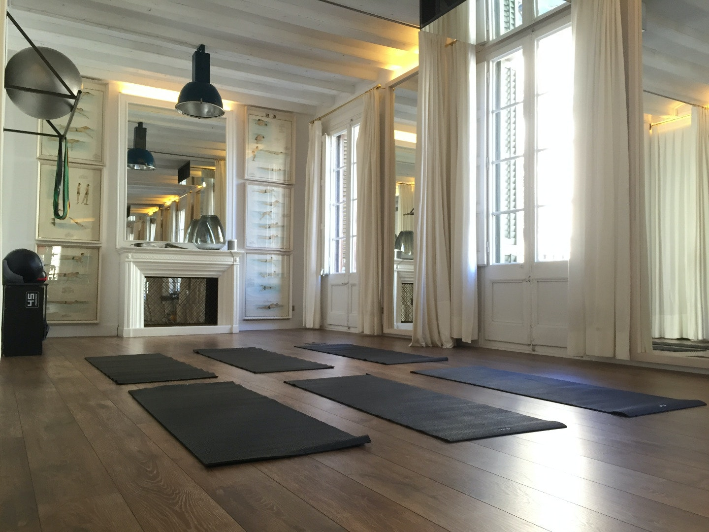 Picture 0 Deals for Gym The Living Room Barcelona