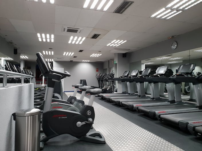 Oferta gimnasio gym narv ez i madrid gymforless for Bb fit padova