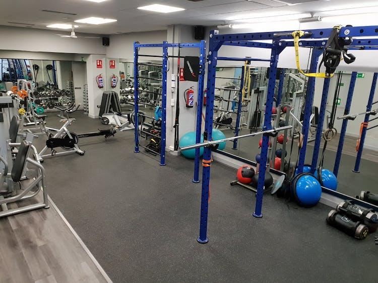 Gym Narváez I