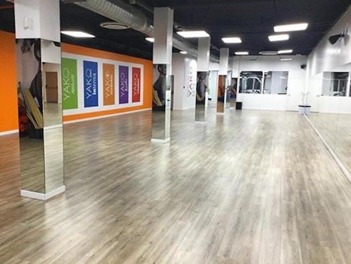 oferta gimnasio l 39 orange bleue carrer girona bcn barcelona gymforless. Black Bedroom Furniture Sets. Home Design Ideas