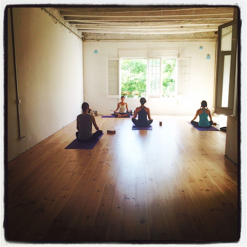 Foto 1 Oferta Yoga con Gracia Espacio Norte Barcelona {2} - GymForLess