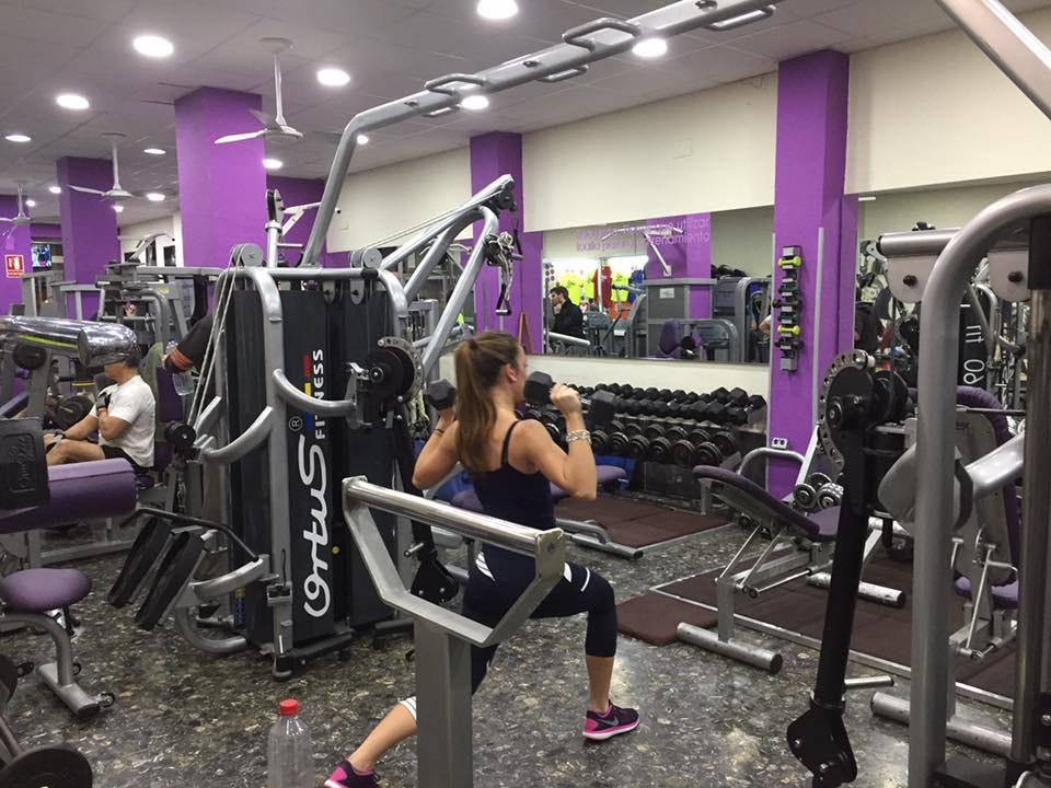 Foto 1 Oferta Gimnasio Campus Gym Valencia Valencia - GymForLess