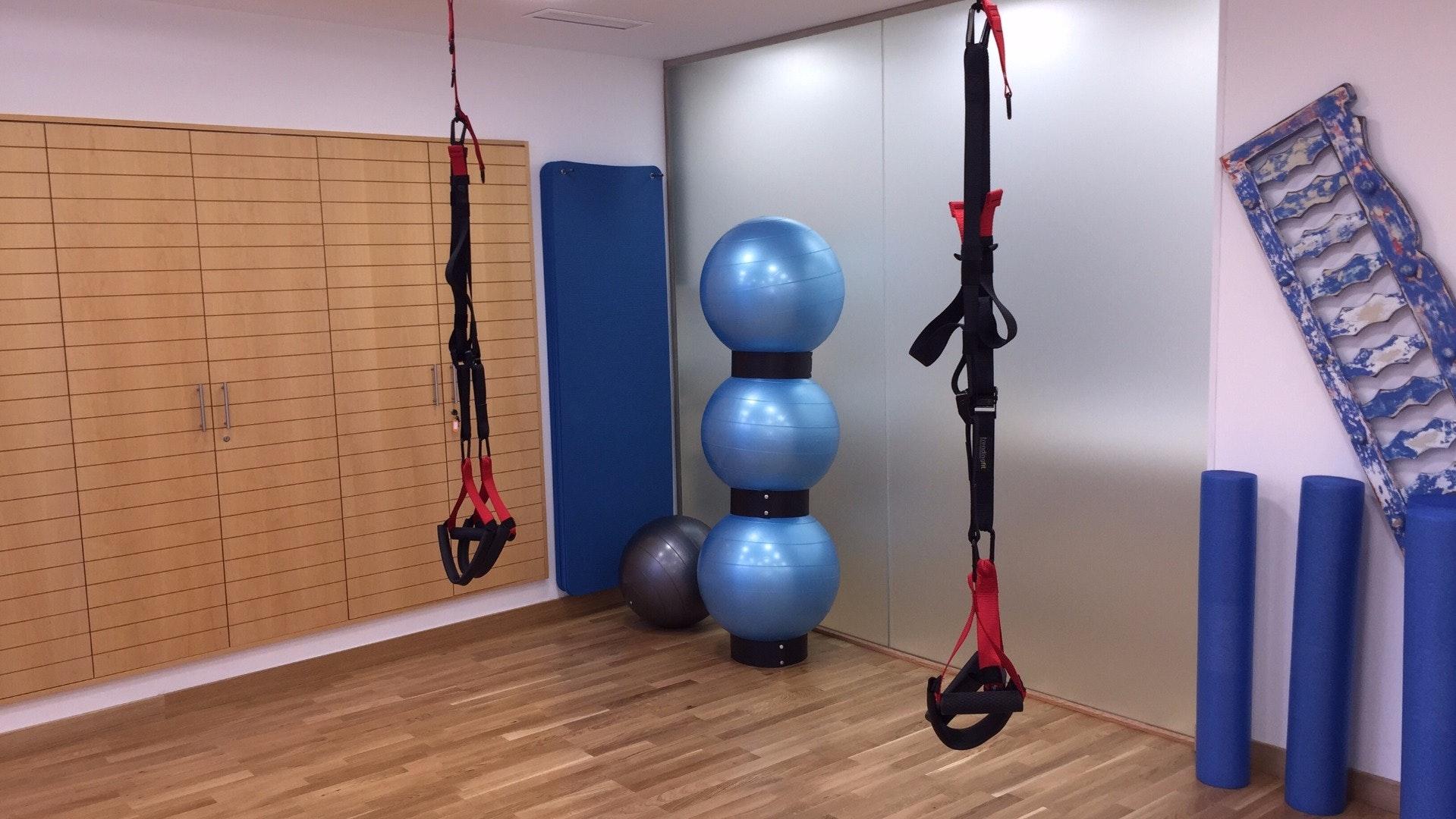Foto 2 Oferta Sinergia Pilates Suelo Estepona {2} - GymForLess
