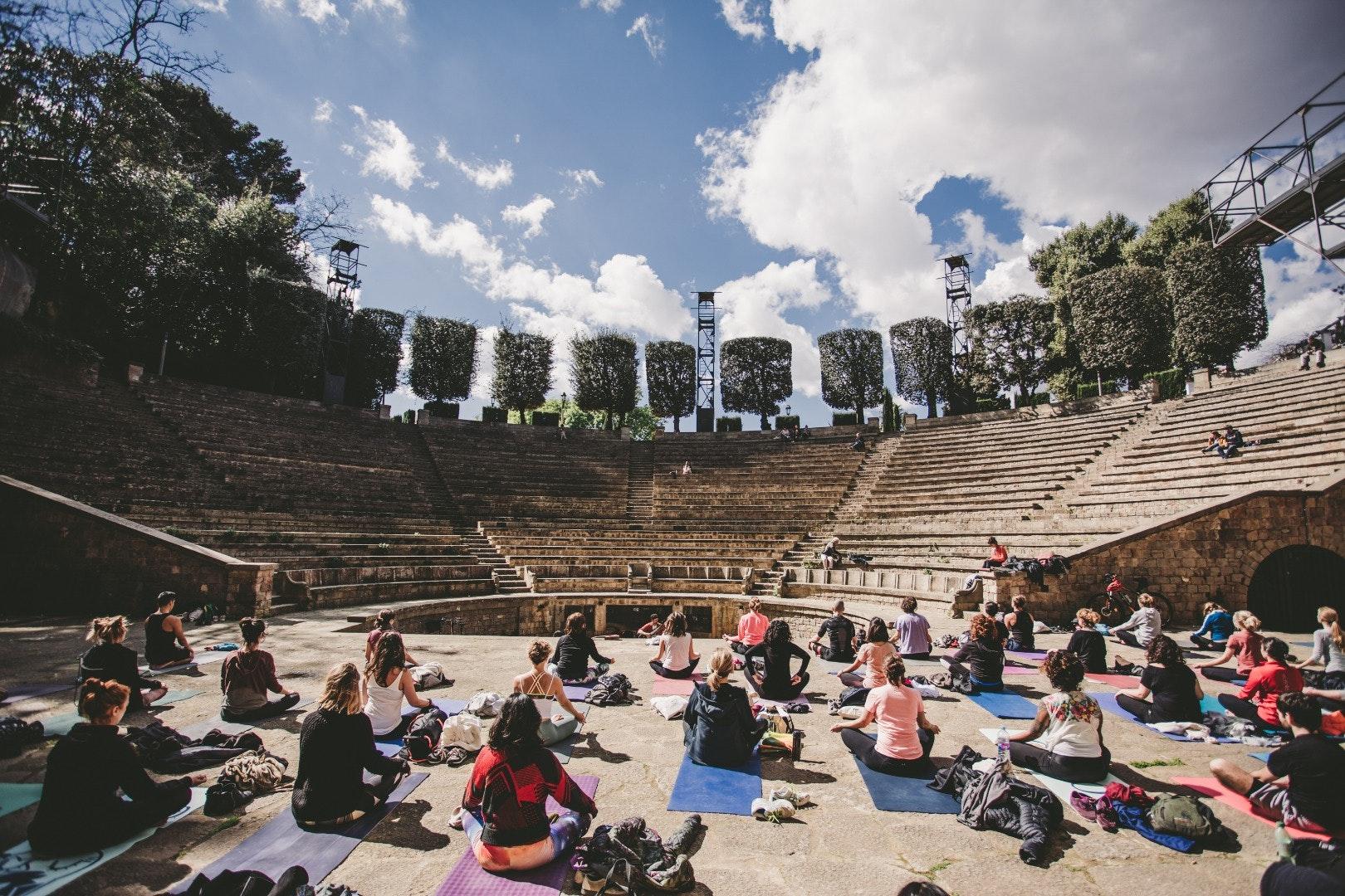 Foto 3 Oferta Yogamor Barcelona {2} - GymForLess