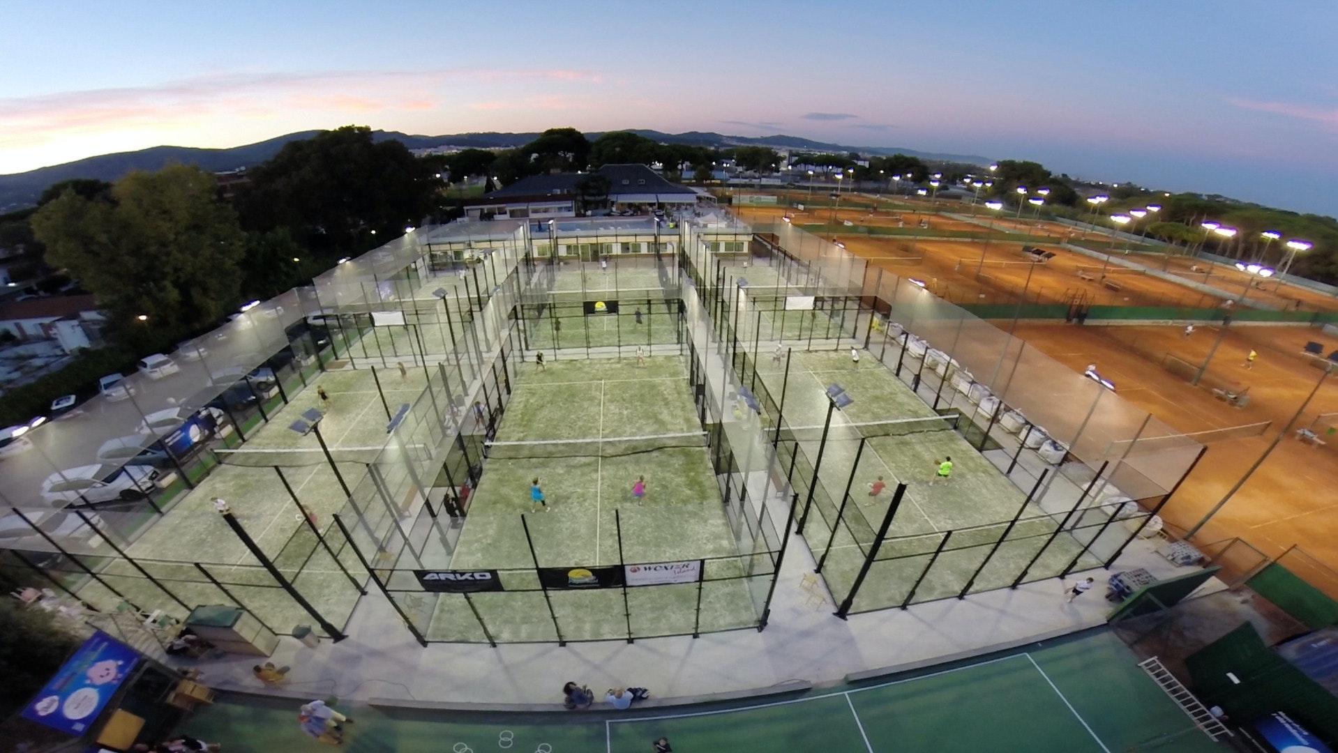 Foto 1 Oferta Gimnasio Club de Tennis Andrés Gimeno Castelldefels - GymForLess