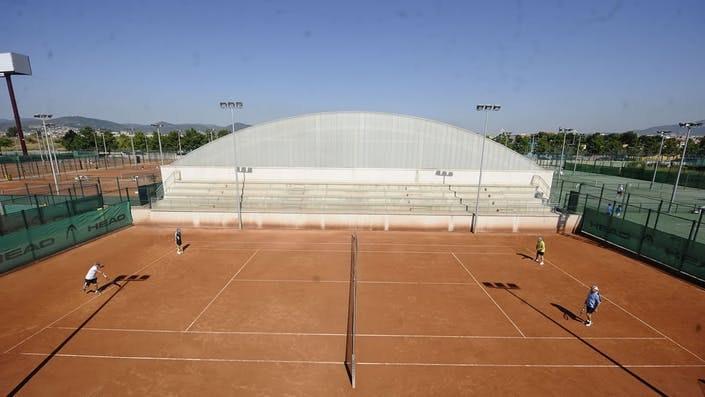 Picture 2 Deals for Gym CIT Cornellà Pádel Cornellà de Llobregat
