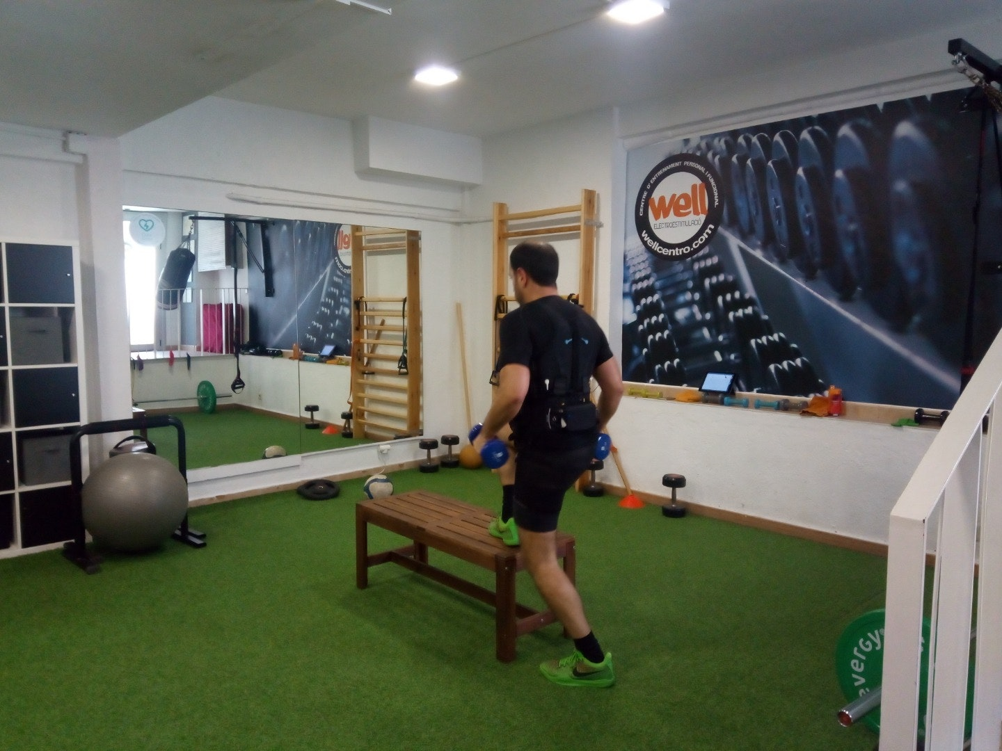 Picture 1 Deals for Well Centro Electroestimulación Barcelona {2}