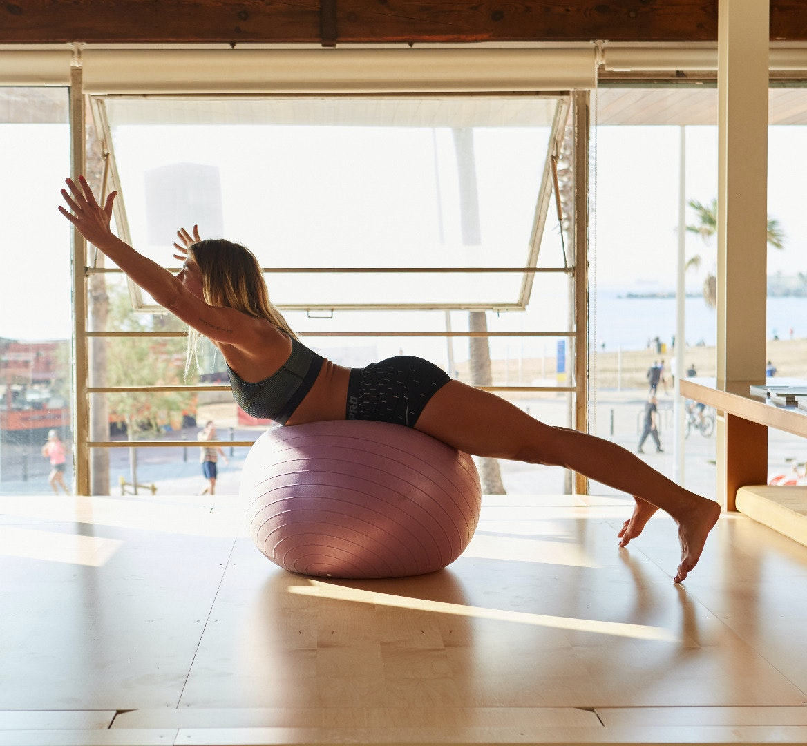 Foto 2 Oferta Pilates Sup&Beach Barcelona {2} - GymForLess