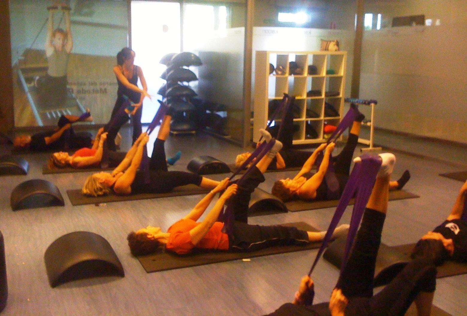 Karoon Rocafort Pilates Suelo