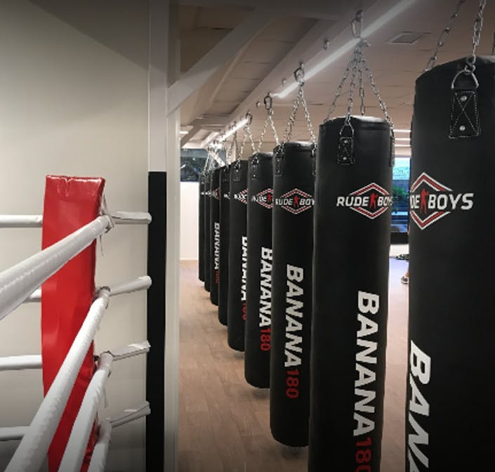 Oferta gimnasio morales box chamber madrid gymforless for Gimnasio 55 minutos