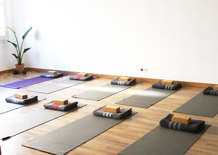 Om lines yoga - Clases Online